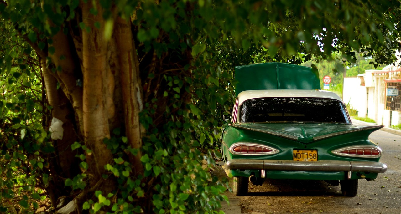 Choosing a Broker for Antique Classic Car Insurance
